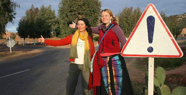 mujeres autostop
