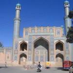 En los jardines de la Mezquita Jameh