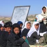 ESCUELA AL AIRE LIBRE EN AFGANISTÁN