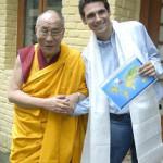 Ludovic Hubler con el Dalai Lama