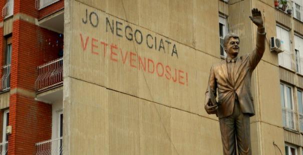 estatua-bill-clinton-kosovo