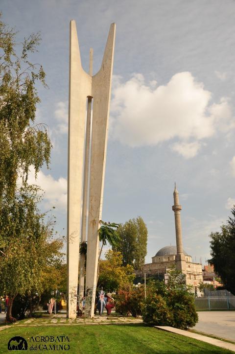 plaza-de-la-hermandad-pristina