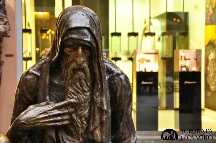 estatua al mendigo