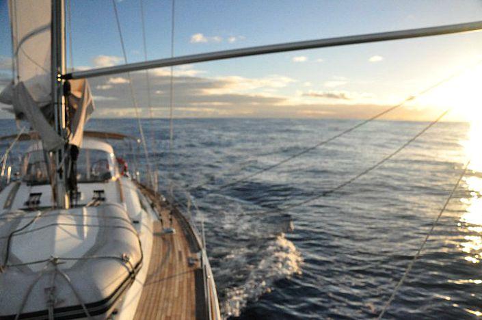 Durante uno de sus tantos viajes a dedo en velero por el Caribe.