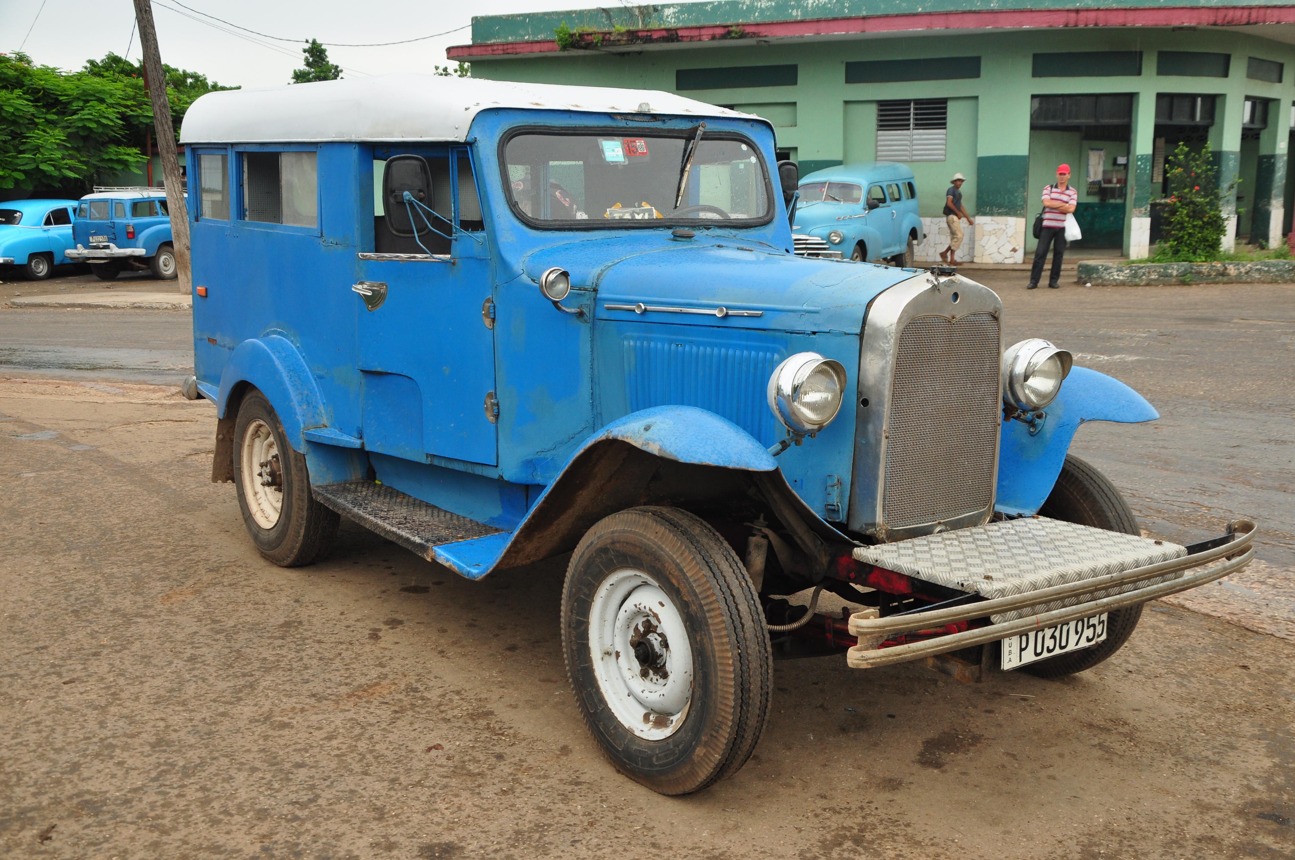 taxis antiguos cuba