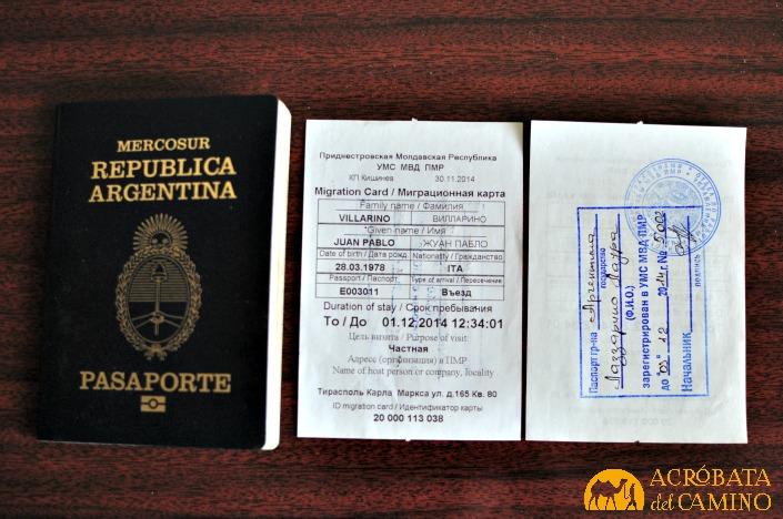 Pasaporte argentino y nuestras tarjetas migratorias transnistrianas...