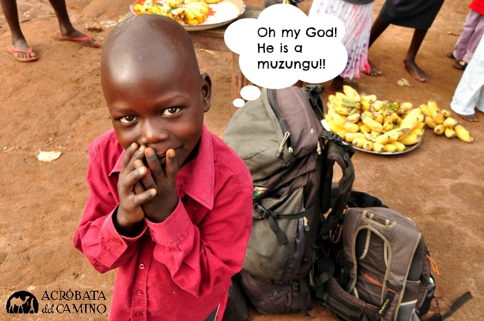 nene africano en mercado
