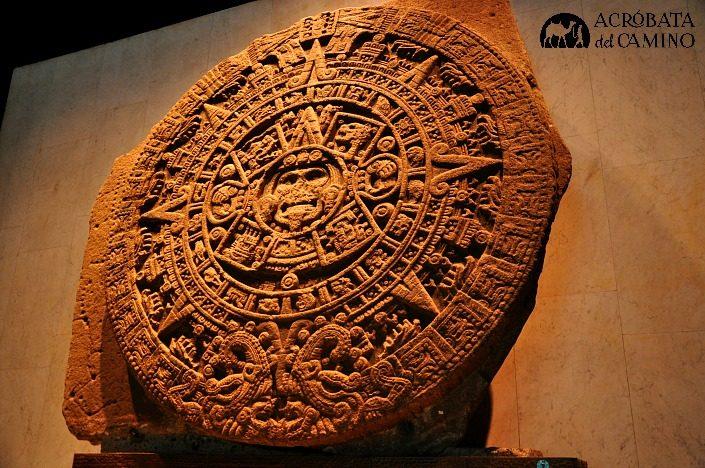 piedra del sol en el museo de antropologia de ciudad de mexico