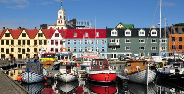 Tinganes el parlamento más pequeño del mundo en Torshavn