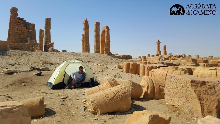 camping en templos egipcios