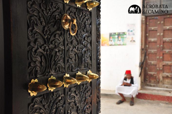 puerta tipica de zanzibar
