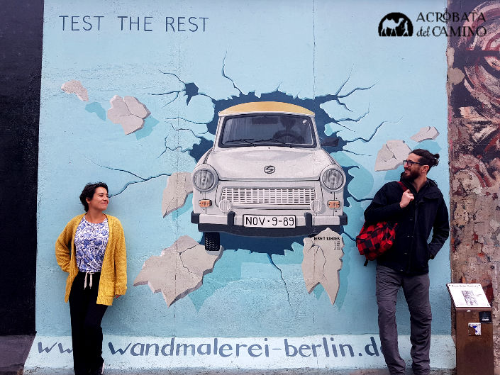 mural del Trabant en muro de berlin