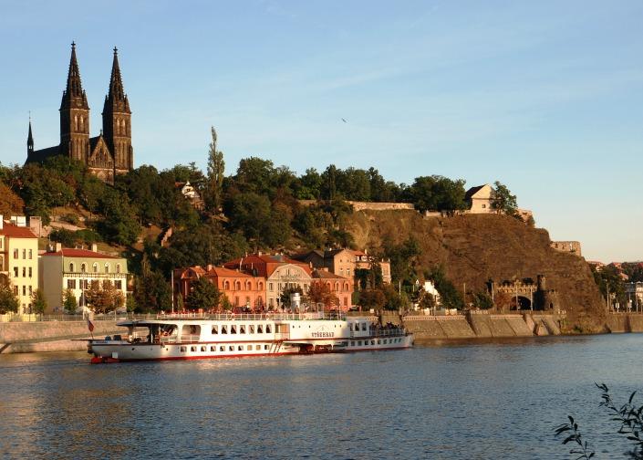crucero en el rio moldava