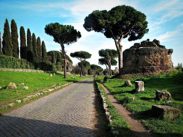 via appia mausoleo imperdibles de Roma