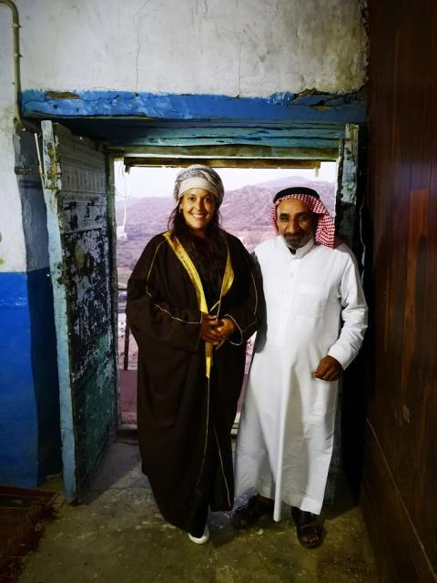 vestimenta viajeras arabia saudita