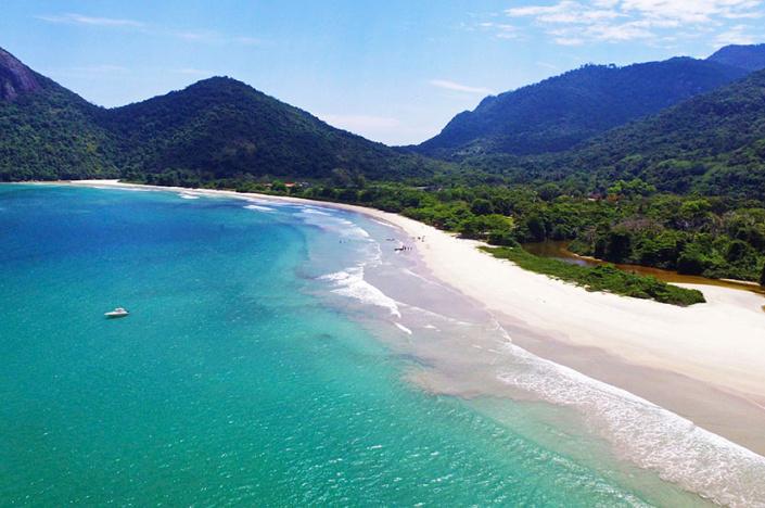 vista aerea playa dois rios