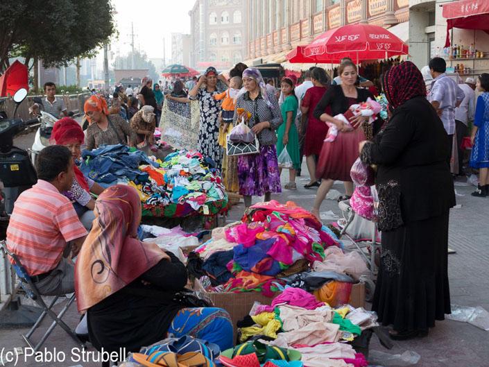 mercado de kashgar mujeres uigures