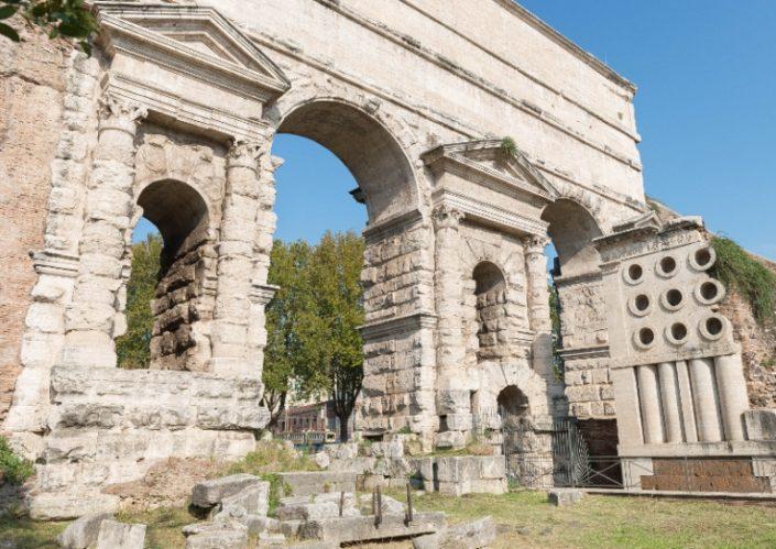 Tumba del panadero en Roma alternativo